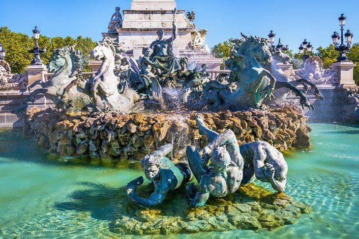 Monument aux Girondins, la famosa fuente de la Place des Quinconces