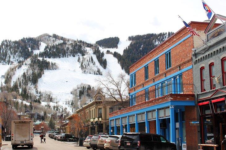 La ciudad de Aspen y Aspen Mountain