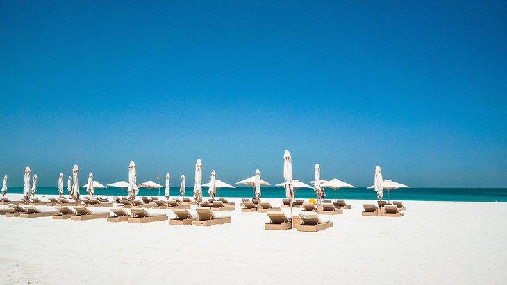 Playa pública de Saadiyat