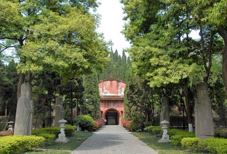 El museo y mausoleo de Yongling