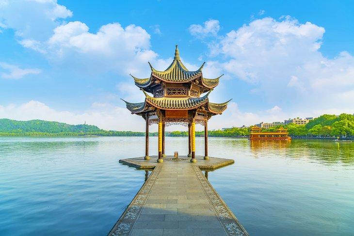 El histórico lago del oeste de Hangzhou
