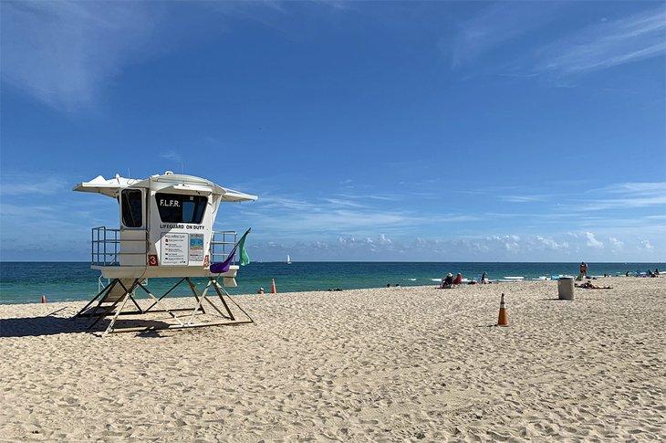 Una torre de salvavidas en Fort Lauderdale Beach