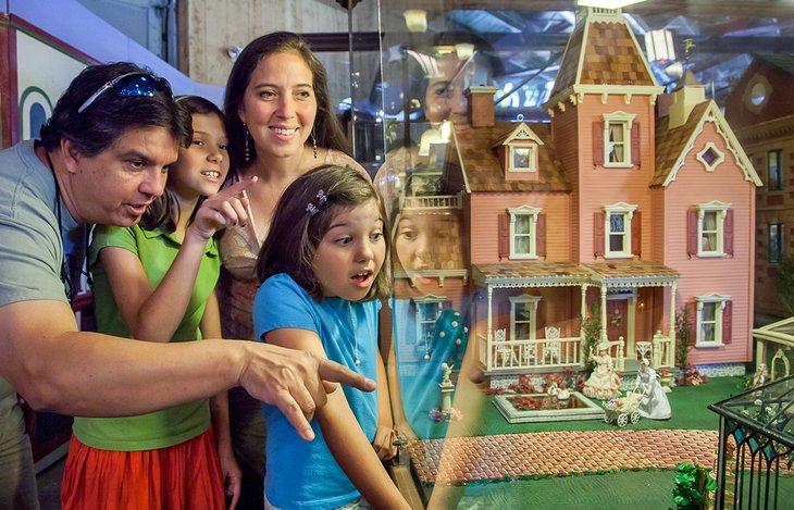 Gran museo de la casa de muñecas americana