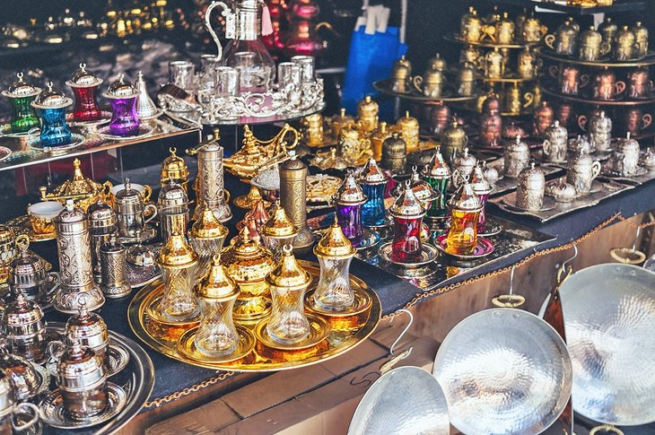 Tea and coffee sets outside a Grand Bazaar store