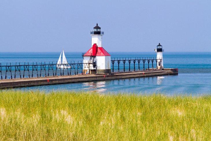 Faros de San José en el lago Michigan