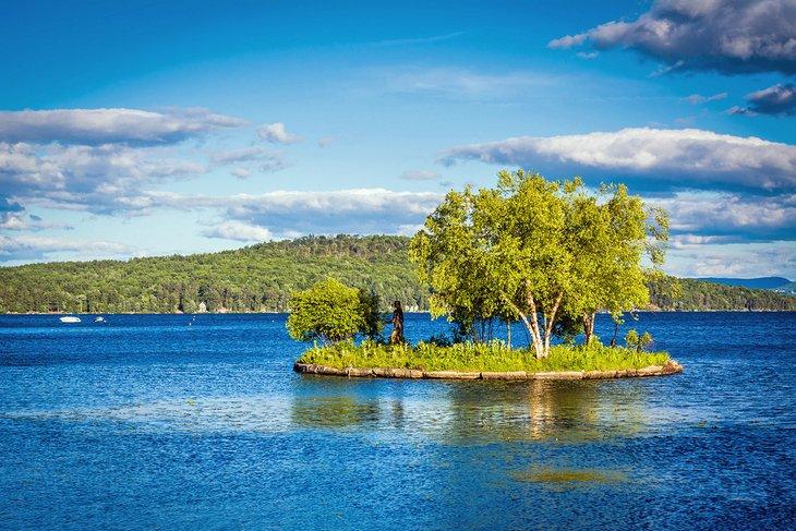 Isla en el lago Winnipesaukee