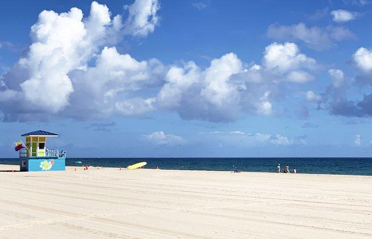Arena suave y dorada en Pompano Beach