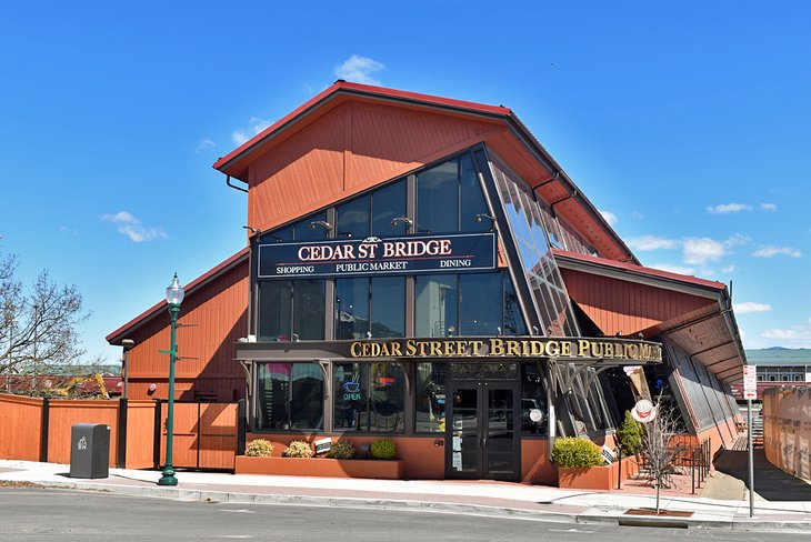 Mercado público de Cedar Street Bridge