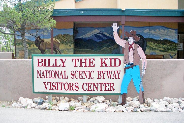 El centro de visitantes le da la bienvenida al Billy the Kid National Scenic Byway