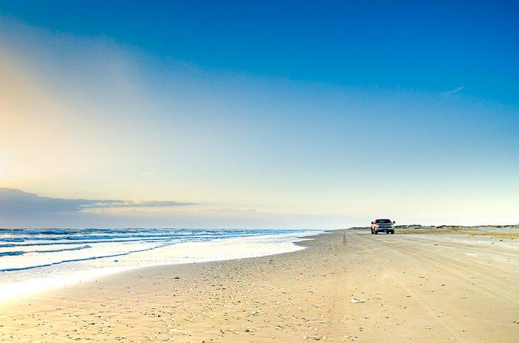 Conduciendo por la carretera de la playa