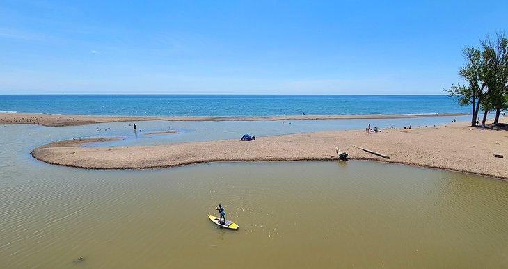 Paddleboarding en la playa de Rouge