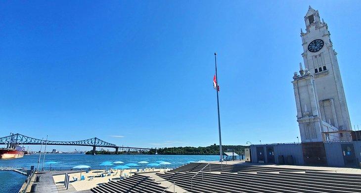 Vista del puente desde la playa de la torre del reloj