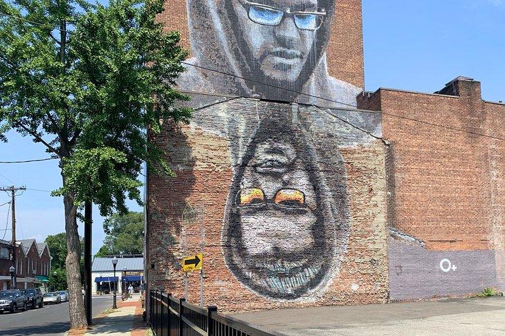 Matt, un intrincado mural en Uptown Kingston