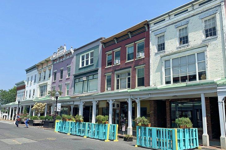 Las pintorescas tiendas que bordean Wall Street en la zona residencial de Kingston