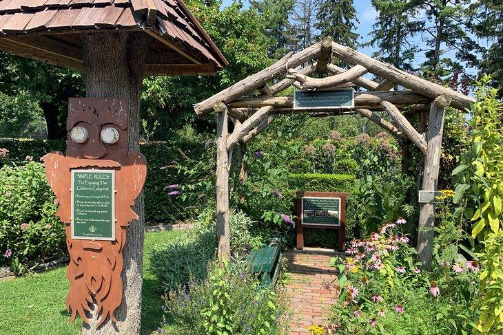 El laberinto infantil en el Forsyth Nature Center