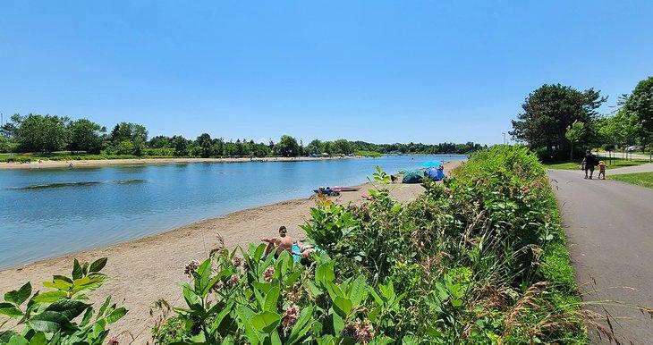 La playa en Lakefront Promenade Park
